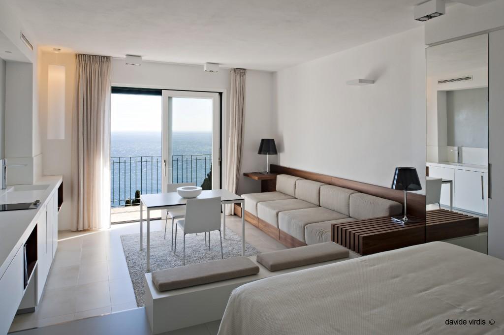 hotel-belvedere05-–-azimut-1-–-tailor-made-forniture-samarreda-1024x681-1