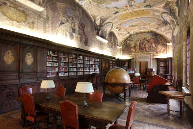 l-universita-di-bologna-la-piu-antica-del-mondo-Samarreda-boiserie-made-in-italy-tuscany